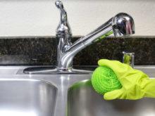 Как ухаживать и чем лучше чистить раковину из нержавейки?